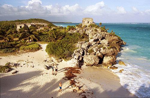 Tulum Beach & Ruins, Riviera Maya, Quintana Roo, Mexico. Photo: www.bugbog.com