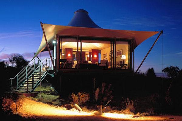 Longitude 131°, Ayers Rock, Australia