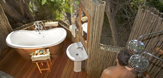 Eagle Island Camp-Okavango Delta-BOTSWANA-ogam_524x250_ei_bathroom4