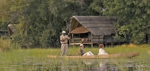 Eagle Island Camp-Okavango Delta-BOTSWANA-ogam_524x250_ei_canoe1