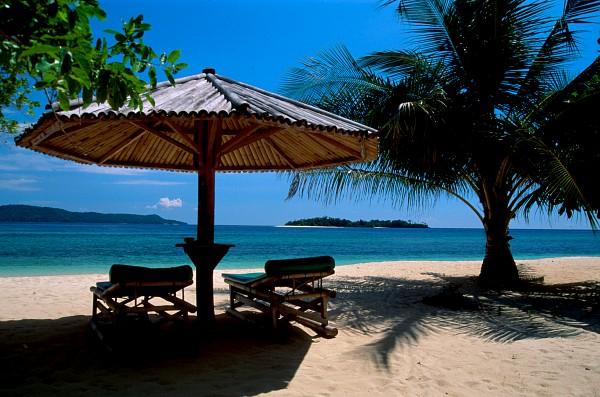 Gangga Island Resort-MANADO-INS-beach01