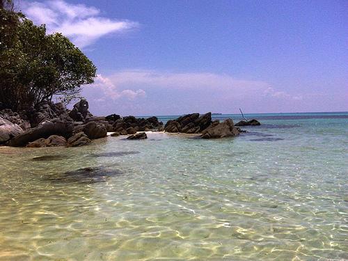 Karimunjawa-Reef Beach-photo flickr member Vayastra-3342883559_9df82f69bf