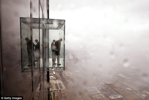 Sears Tower-103rd floor Glass Observation Deck-CHICAGO-article-1196967-058F7B4F000005DC-280_634x424