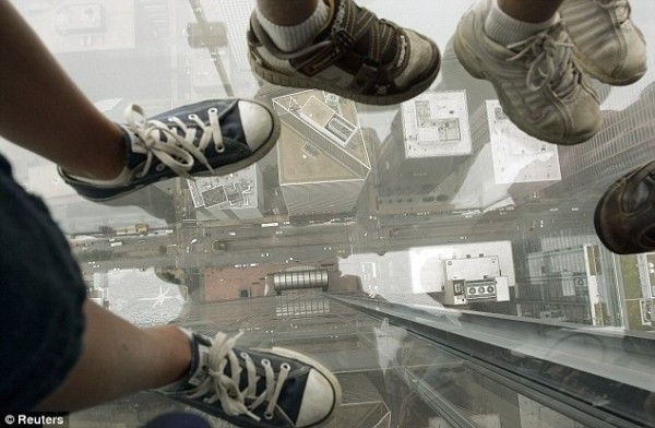 Sears Tower-103rd floor Glass Observation Deck-CHICAGO-article-1196967-058F7FA3000005DC-920_634x415