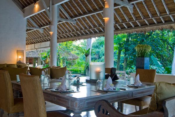 Villa Sungai-Cepaka-BALI.-Dining Area