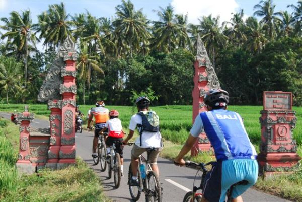 Bali Mt Biking-TANAH LOT TRAIL (18).JPG
