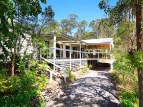 Eco Farm Lodge Bed & Breakfast-QLD-OZ-1