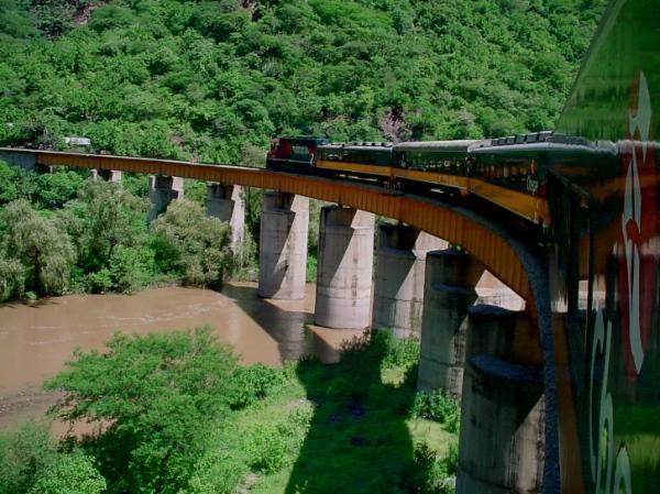 El Cheppe-Copper Canyon Train-MX-www.trainweb.org