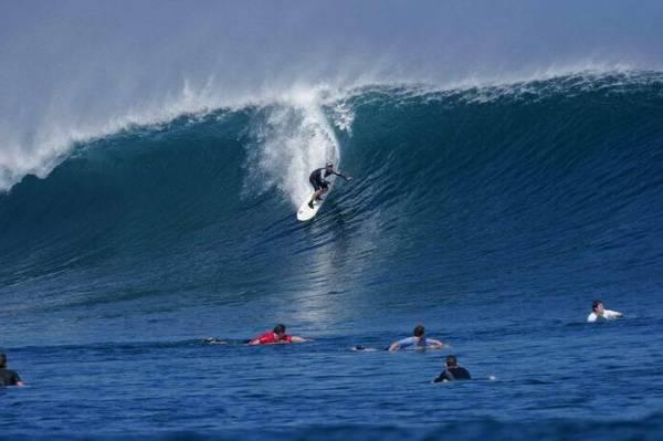 G-Land_surfing_1