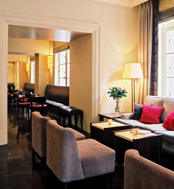 hotel amigo_lobby-bar