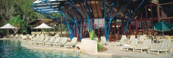 kingfisher-bay-resort-01