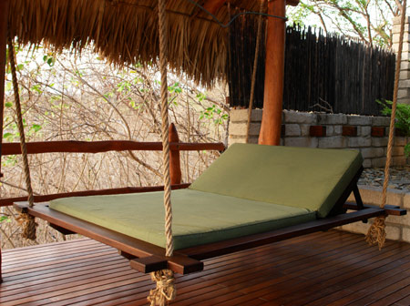 Morgan's Rock-NICARAGUA-Hanging Lounger Daybed