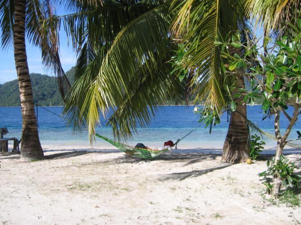 Have hammock, will travel. Pagang Island, West Sumatra. Photo: D Nukman