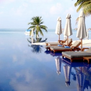 Conrad MALDIVES Pool 2