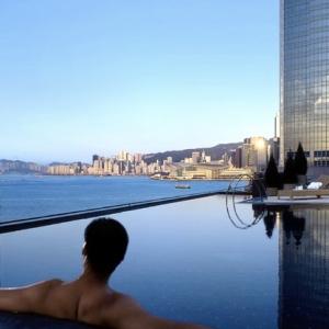 Four Seasons Hong Kong-Rooftop Pool 3