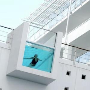 Hilton Auckland-NZ Rooftop Pool 1