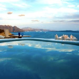 mystique-hotel_santorini_outdoors-jacuzzi-villa