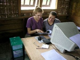 Orang Utan Volunteer-Conducting reserach work in the office (Photo Ivona Foitova)