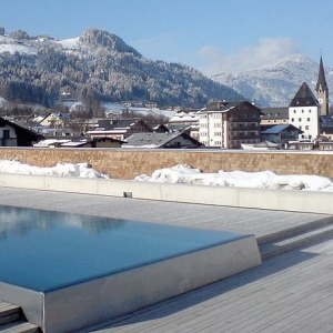 Schwarzer Adler Kitzbuhel Wellness & Spa Hotel-AUSTRIA Rooftop Pool 1