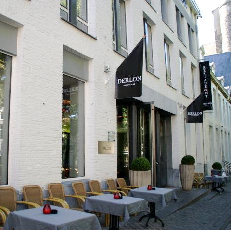 Sleek chic derlon hotel museum maastricht the for Designhotel maastricht comfort xl