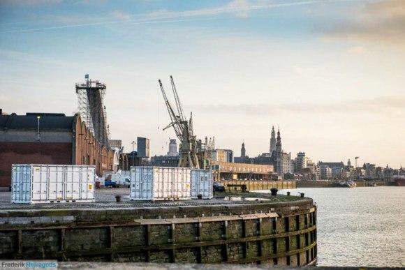 Sleeping-Around-Container-Pop-Up-Hotel_dian-hasan-branding_Antwerp-BE-13
