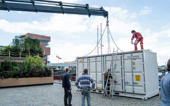 Sleeping-Around-Container-Pop-Up-Hotel_dian-hasan-branding_Antwerp-BE-21